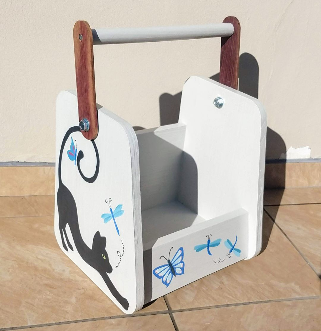 Childrens Book Caddy – In Stock